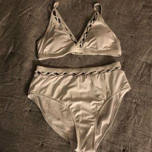 White High-Waisted bikini